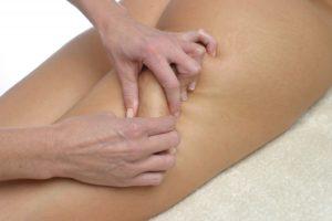palper-rouler lors d'un massage esthétique